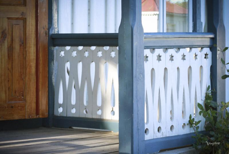 Snickarglädje, veranda, linoljefärg.