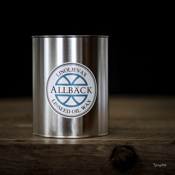 Linoljevax för en giftfri behandling av trä, trägolv, bänkskivor och mer.